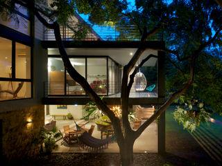 JACARANDAS HOUSE Hernandez Silva Arquitectos 現代房屋設計點子、靈感 & 圖片