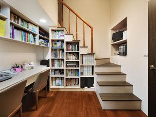 築室室內設計 Estudios y despachos de estilo moderno