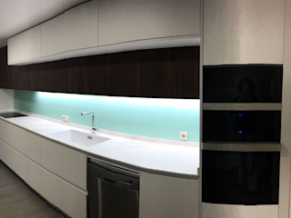 CARE MOBILIARIO MADRID,S.L. KitchenCabinets & shelves Wood White