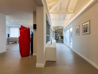 Casa PR Elia Falaschi Fotografo Ingresso, Corridoio & Scale in stile moderno
