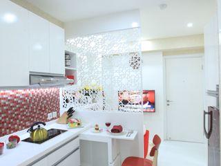COZY PLACE FOR WEEKEND GETAWAY @ GREEN PRAMUKA APARTMENT, EAST JAKARTA PT. Dekorasi Hunian Indonesia (DHI) Dapur Modern