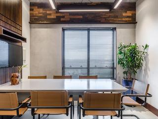okha arquitetura e design Commercial Spaces Bricks White