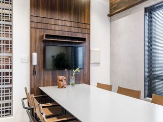 okha arquitetura e design Commercial Spaces MDF White