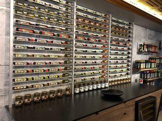 Millesime Wine Racks Офіси та магазини Алюміній / цинк Металевий / срібло