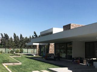 Casa Nogales - Chicureo proyecto arquitek Casas unifamilares Aglomerado Blanco