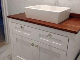 Barragan Carpinteria BathroomStorage