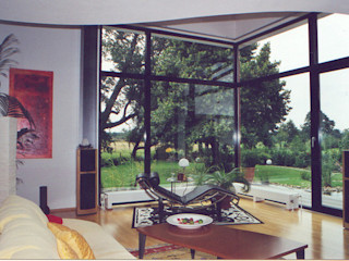 Modernes Wohnhaus im Bauhausstil Architekt Witte Moderne Wohnzimmer Holz Weiß