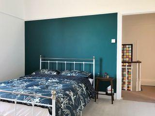 Home decorators in Plumstead, London Paintforme Kamar Tidur Klasik Turquoise