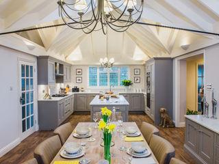 Mr & Mrs T, Oxshott Raycross Interiors Cocinas integrales Cuarzo Gris