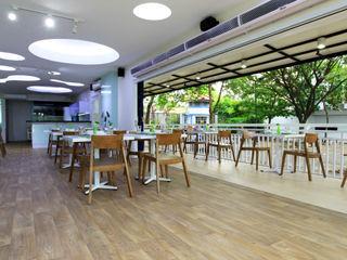TWO DIFFERENT EXCITEMENT RESTAURANT & LOUNGE @ LIPPO CIKARANG PT. Dekorasi Hunian Indonesia (DHI) Gastronomi Modern