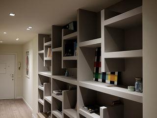 studionove architettura Corridor, hallway & stairsDrawers & shelves Wood Grey