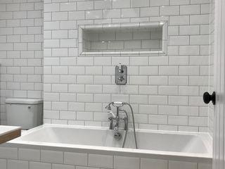 Southolm Street, Wandsworth, London Zebra Property Group Classic style bathroom