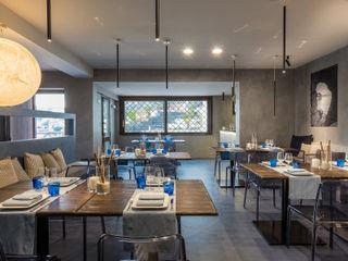 architetto Lorella Casola Mediterranean style dining room Concrete Grey