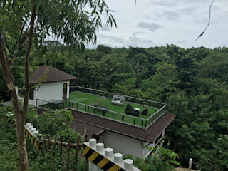 MKC DESIGN Modern balcony, veranda & terrace