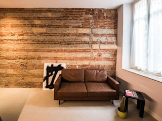 PADIGLIONE B Modern living room Bricks Red