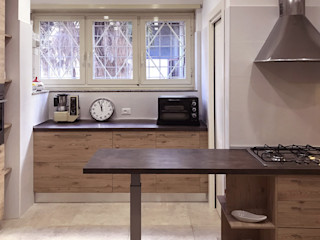 ULA architects مطبخ ذو قطع مدمجة Brown