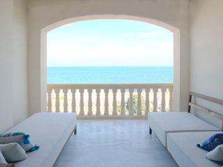 Apartamento en la costa Singularq Architecture Lab Comedores de estilo mediterráneo