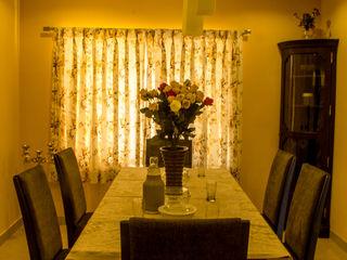 Poise Ruang Makan Klasik