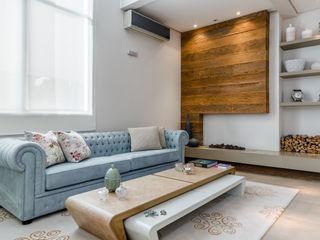 okha arquitetura e design Modern living room Wood Blue