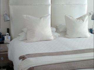 Elliott Designs Studio BedroomBeds & headboards Tekstil White
