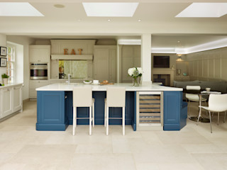Tillingham   From Design To Reality Davonport Classic style kitchen Blue