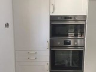 Drevo - Wood Solutions Lda КухняШафи і полиці