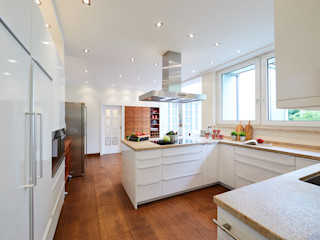 Tschangizian Home Staging & Redesign Dapur built in