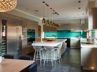 SHROPSHIRE Suzanne Tucker Interiors 廚房收納櫃與書櫃 Green