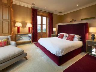 SHROPSHIRE Suzanne Tucker Interiors 臥室床與床頭櫃 Red