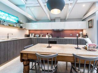 Balham Suzanne Tucker Interiors 廚房收納櫃與書櫃 Grey