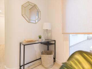 Become a Home Pasillos, vestíbulos y escaleras de estilo escandinavo