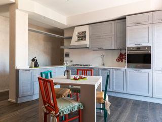PRENESTINO a2 Studio Borgia - Romagnolo architetti Cucina moderna