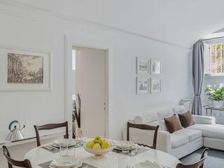 a2 Studio Borgia - Romagnolo architetti Salle à manger moderne