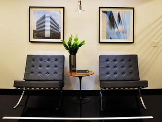 Escritório de Importação Enzo Sobocinski Arquitetura & Interiores Edifícios comerciais modernos Granito Preto