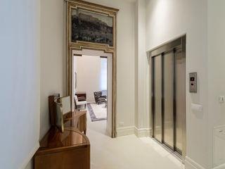 Vemworks llc Koridor & Tangga Modern White