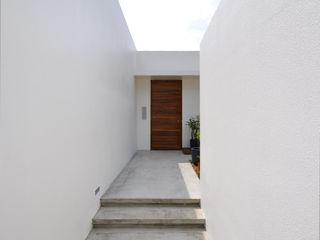 門一級建築士事務所 Couloir, entrée, escaliers modernes