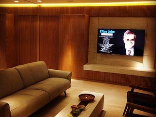 Elaine Hormann Architecture Sala de estarIluminação Ambar/dourado
