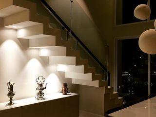 Elaine Hormann Architecture Escadas Betão Branco