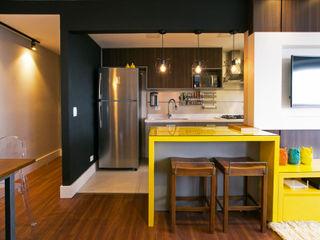 Saia Arquitetura Industrial style kitchen