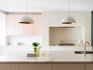 Urban rustic style - Victorian villa, Hammersmith My-Studio Ltd Einbauküche MDF Pink