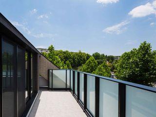 JWA,Jun Watanabe & Associates Modern terrace