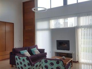 MONARQ ESTUDIO Modern living room