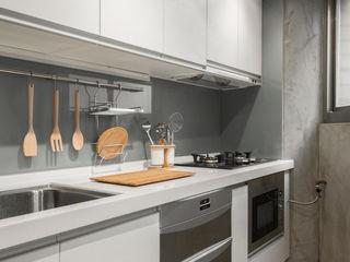 湜湜空間設計 Módulos de cocina Blanco