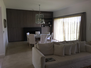 Estudio Dillon Terzaghi Arquitectura - Pilar Living roomFireplaces & accessories Kayu White