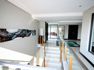 Nuclei Lifestyle Design Stairs White