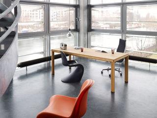 Büroeinrichtung, Arbeitsplatzgestaltung BANDYOPADHYAY interior Minimalistische Bürogebäude