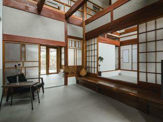 ALTS DESIGN OFFICE Коридор, прихожая и лестница в азиатском стиле