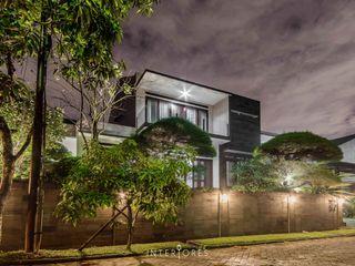 INTERIORES - Interior Consultant & Build Будинки