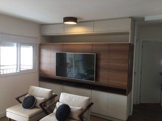 LVM Arquitetura Living roomCupboards & sideboards MDF Brown