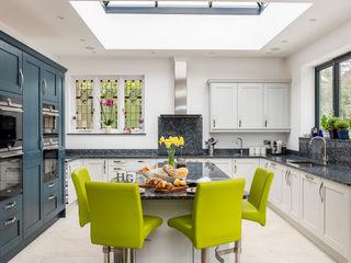 Mr & Mrs A, Camberley Raycross Interiors Cocinas integrales Azul